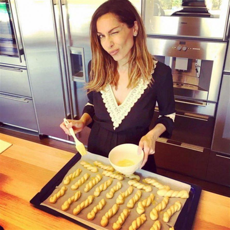 Οι καλές νοικοκυρές να ξέρετε ότι είναι αυτές που μαγειρεύουν και δίνουν το στίγμα», είπε η κ.